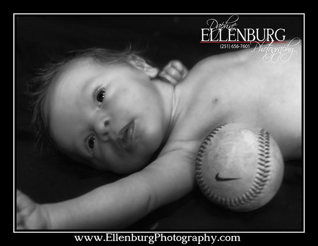 fb 11-07-01 Baby Evan-12bw