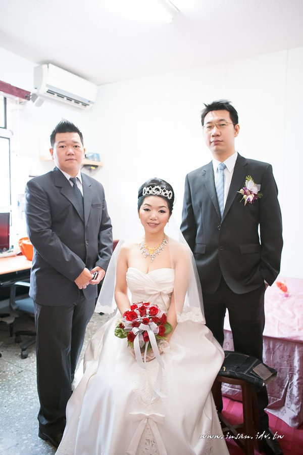 wed110529_0476
