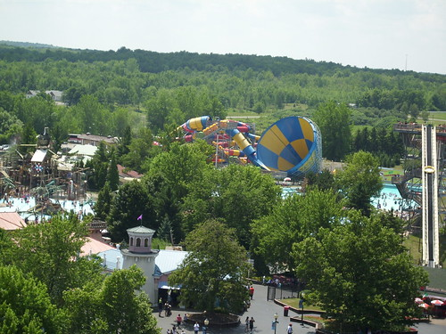 SplashTown at Darien Lake
