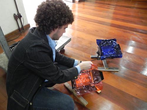 Allan preparando a iluminação by Silvana Abreu
