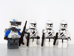 Trigger Squad (Brickcentral) Tags: trooper star lego fig corps wars squad sig clone kama pauldron mmcb 457th waistcape