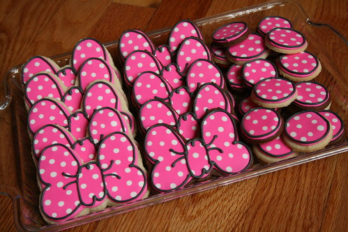 Minnie Mouse Bow Cookies.