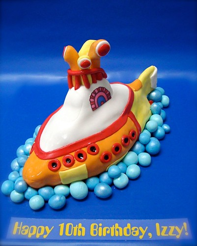 Yellow submarine cake