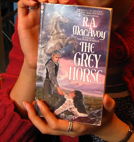R A Macavoy - The Grey Horse
