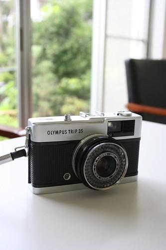 フィルムカメラ オリンパストリップ35がお店にやってきました♪