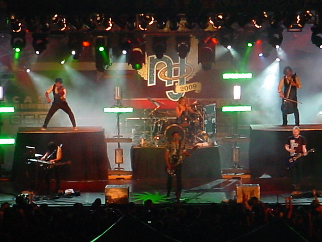 Skillet performing at Night of Joy 2009
