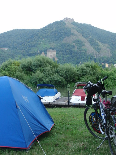Acampando con vistas al castillo de Visegrad