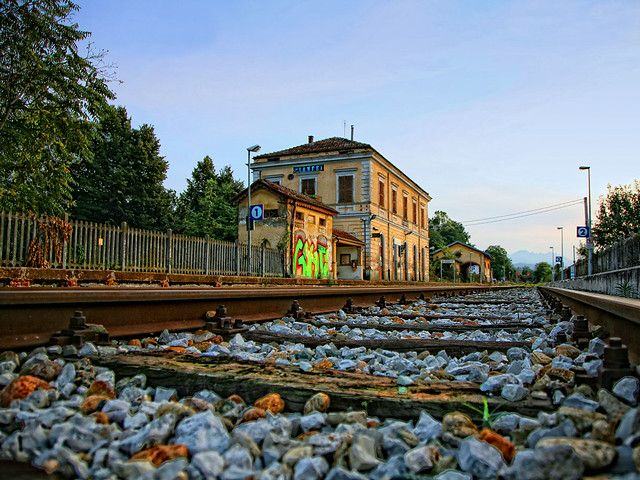 Pianfei Station
