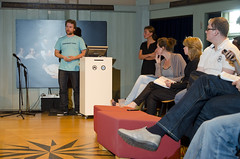 Niels 't Hooft aan het woord (Waag Society) Tags: david amsterdam t events social games arne van waag society nieuwmarkt sacha pers niels debat discussie volkskrant kranten tongeren journalistiek hooft theatrum gamekings anatomicum nieborg kuilman gamejournalistiek gamejournalism