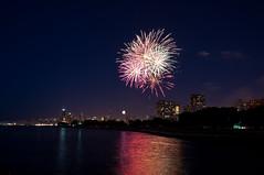 Freedom (Happy 4th !!!) (benchorizo) Tags: longexposure chicago skyline nikon fireworks 4thofjuly chicagoist banias d90 belmontharbor cnimg07042011