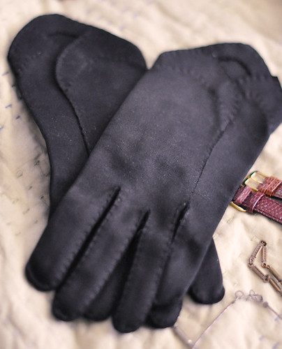vintage black gloves