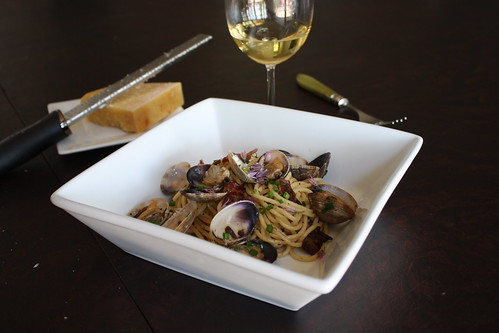 pasta with bacon and clams