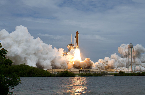 STS-135 Atlantis Launch (201107080016HQ)