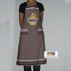 Apron patchwork design rabbit teapot (Manualitas) Tags: rabbit handmade conejo craft apron patchwork artesania tetera tepot conill delantal manualidad davantal