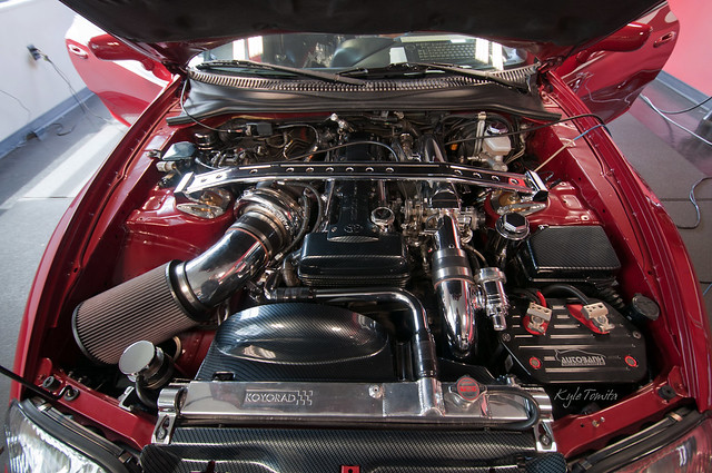 2JZ with 71mm GTXR Turbo.JPG