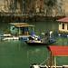Vilas flutuantes no meio das ilhas