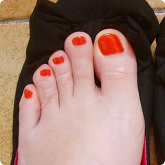3 de julho de 2011 (Dani Sayuri.) Tags: red feet angel foot polish christine vermelho bow glam garota verão pé enamel lacquer unha laço sapatilha esmalte colorama moleca sancion flocado flakies