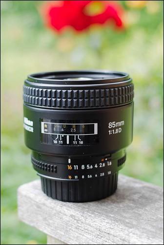 Nikon D7000 85mm f/1.8D lens