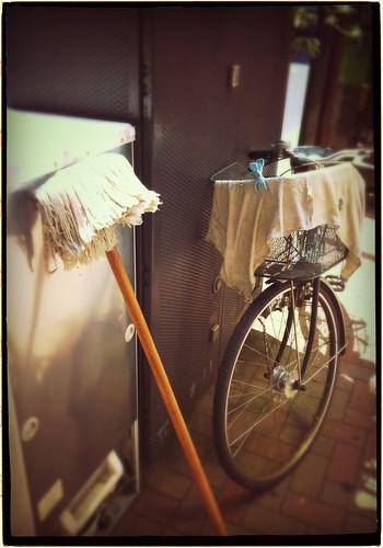モップと自転車 #instan