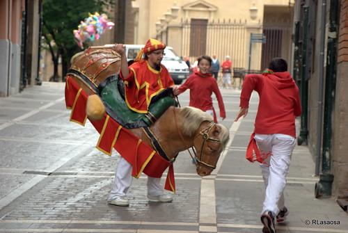Sanfermines - Gigantes y Cabezudos by Rufino Lasaosa