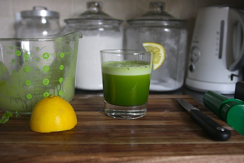 kale apple lemon juice
