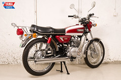 Yamaha AS3 Red 1971 8 (Yamaparts Photo) Tags: light red classic museum vintage japanese 1971 motorcycle yamaha restoration 125cc as3 yamahamotorcycle yas3 brilliantred yamaparts