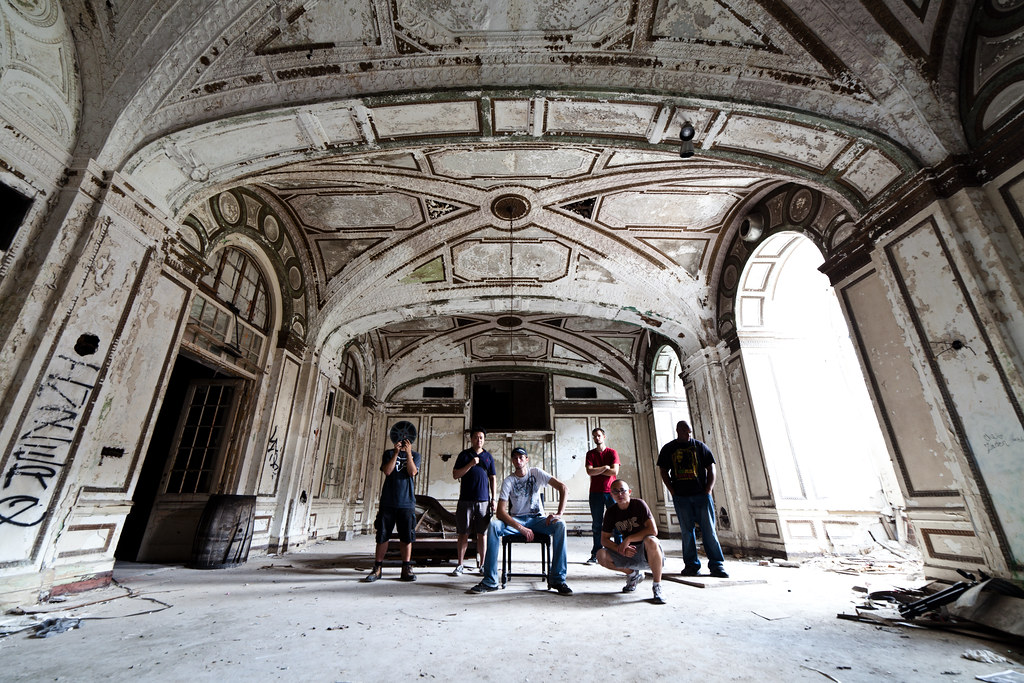 urban explorers in the abandoned lee plaza in detroit