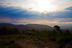 Hagase la luz (ibzsierra) Tags: blue sky cloud sun mountain sol azul canon ibiza cielo 7d eivissa sole montaa solei nube baleares