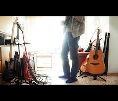"""annimos"" (IX) ([eme]) Tags: house playing home bass bajo band guitars musica guitarras"