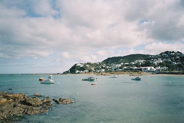 island_bay_pano_boat