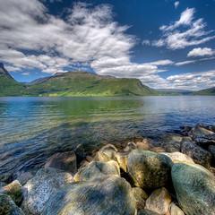 słoneczne popołudnie (Mariusz Petelicki) Tags: norway norge hdr vang jezioro norwegia skandynawia vertorama