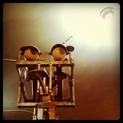 Ohhh la luuuuuz... (blackferien) Tags: mxico square mexico robot hefe ciudaddemxico chilangolandia museodeljuguete iphoneography