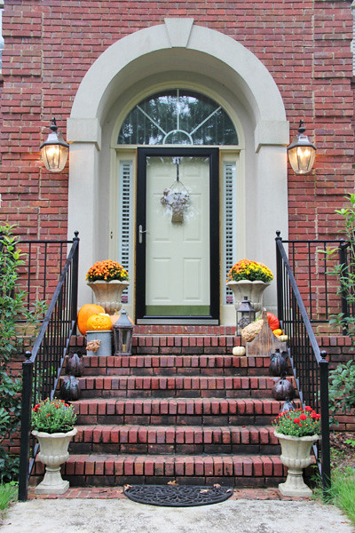 Fall front porch and door decor
