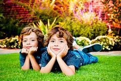 [フリー画像素材] 人物, 子供 - 男の子, 人物 - 二人, 兄弟・姉妹 ID:201110081800
