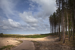 LF1 (Pieter Musterd) Tags: sky clouds canon eos raw dunes wolken 5d lucht duinen fietspad noordhollandsduinreservaat canoneos5dmarkii pietermusterd 5dmarkii fietsvakantie2011 bicycleholiday2011