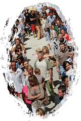 Processione a Premana, la gente comune / The village of Premana (Valsassina) in procession (emilius da atlantide) Tags: people italy alps portraits village gente ritratti sundays volti processione religione valsassina situazioni partecipazione festereligiose premana corpusdomini emilius domenicadifesta