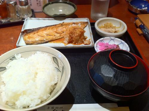 鯖の焼き魚定食