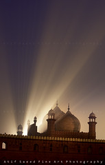 Blessings... (M Atif Saeed) Tags: pakistan nature historical punjab lahore masjid badshahi atifsaeed kingsmasjid