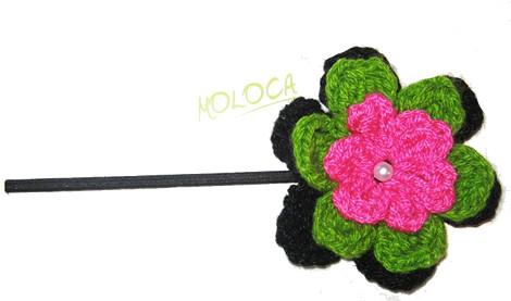 vincha negra flor fuccia verde y perla