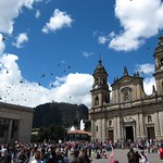 "Pigeons on Bolivar Square <a style=""margin-left:10px; font-size:0.8em;"" href=""http://www.flickr.com/photos/14315427@N00/5923997754/"" target=""_blank"">@flickr</a>"