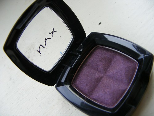 nyx eyeshadow red bean pie