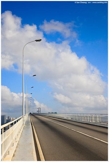 跨越澳氹大橋