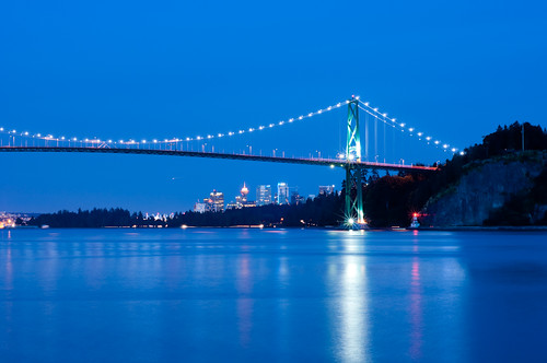 "Lions Gate Bridge • <a style=""font-size:0.8em;"" href=""http://www.flickr.com/photos/53952140@N00/5933058752/"" target=""_blank"">View on Flickr</a>"
