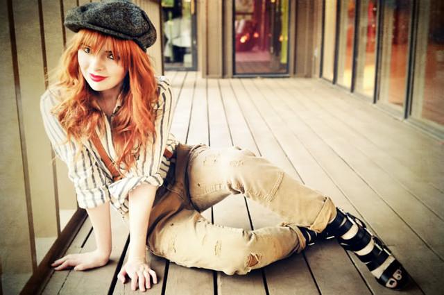 Jane sea of shoes, pageboy hat, suspenders,DSC_1437k