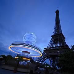 OVNI [Explored] #307 le 17/07 Merci :) (AO-photos) Tags: paris night eiffeltower toureiffel manège sigma1020