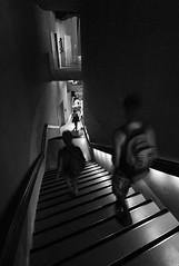 abwrts (monochrome01) Tags: person licht treppe bewegung tr stralsund mensch ozeaneum