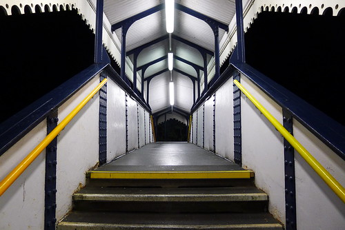Down to St Erth (maf*pHew) Tags: bridge blue white station yellow cornwall rivets railway symmetry fluorescent gwr erth spnp sterth streetphotographynowproject mafphew mafphoto
