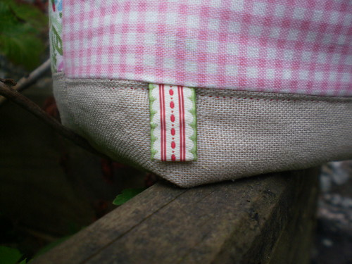 Fabric basket-ribbon detail