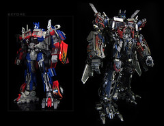 Dark of the Moon : Ultimate Optimus Prime (comparison shot) (frenzy_rumble) Tags: camera matrix prime transformer evil icestorm hook custom commission seeker fr convoy sunstorm autobot reflector spyglass scavenger nemesis viewfinder mixmaster decepticon scrapper lacquer kitbash shockwave artfire devastator pretender nightstick longhaul cliffjumper bonecrusher spectro combiner enamels skywarp omegasupreme targetmaster darkofthemoon thunderwing houseofkolors frenzyrumble fansproject frenzyrumblecom humanalliance procustomizers peaugh sentinalprime midwarp