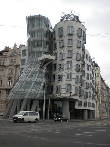 Frank Gehry dancing house Praga
